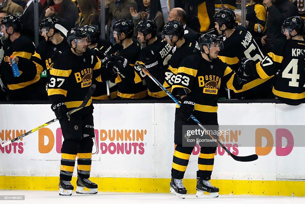 NHL: NOV 19 Jets at Bruins : News Photo