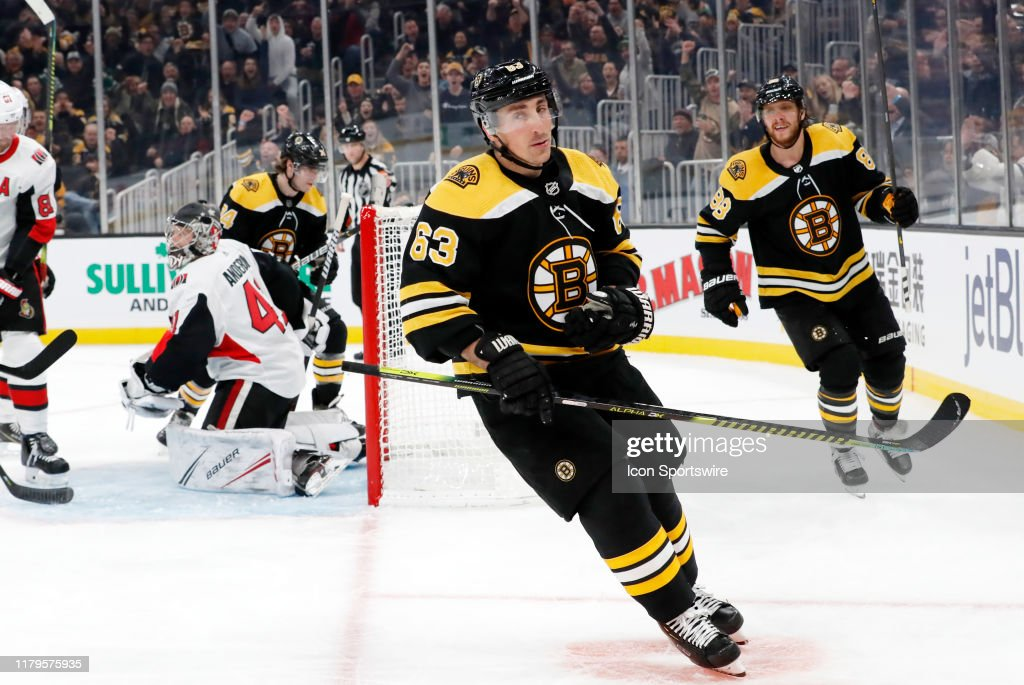 NHL: NOV 02 Senators at Bruins : News Photo