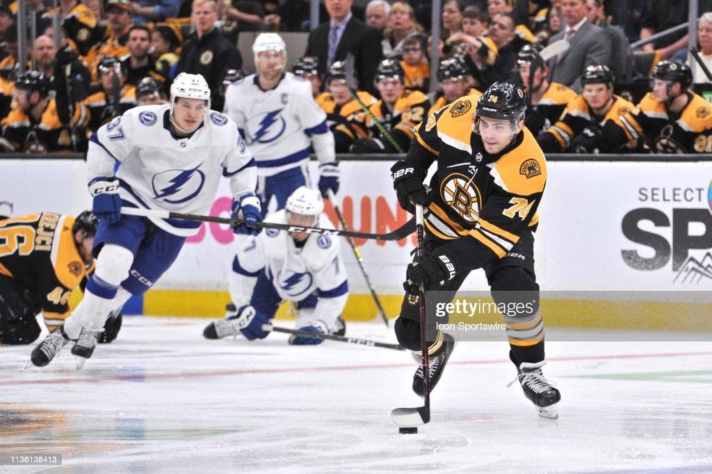 NHL: APR 06 Lightning at Bruins : News Photo
