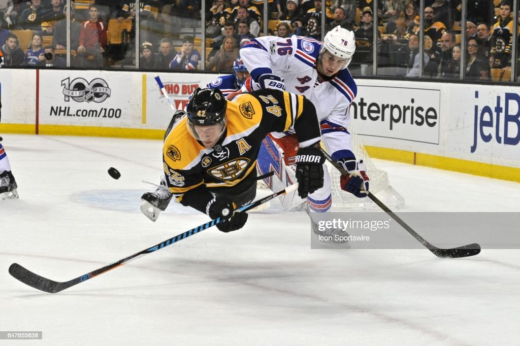 Boston Bruins Right Wing David Backes (42) gets up ended but still manages  to cc67221fe