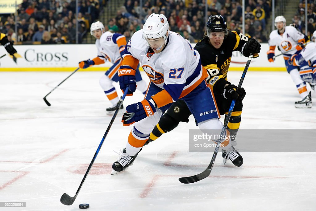 NHL: JAN 16 Islanders at Bruins : News Photo