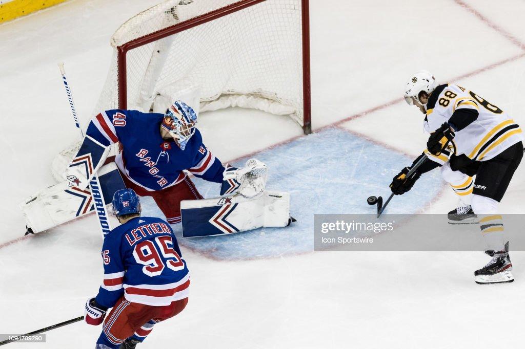 NHL: FEB 06 Bruins at Rangers : News Photo