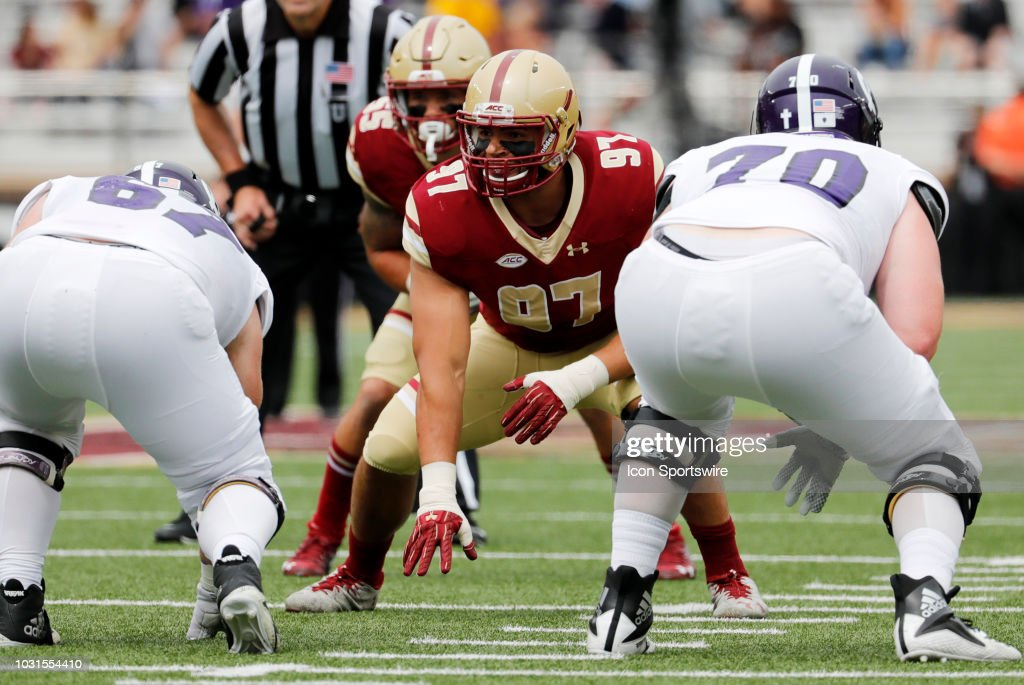 COLLEGE FOOTBALL: SEP 08 Holy Cross at Boston College : News Photo