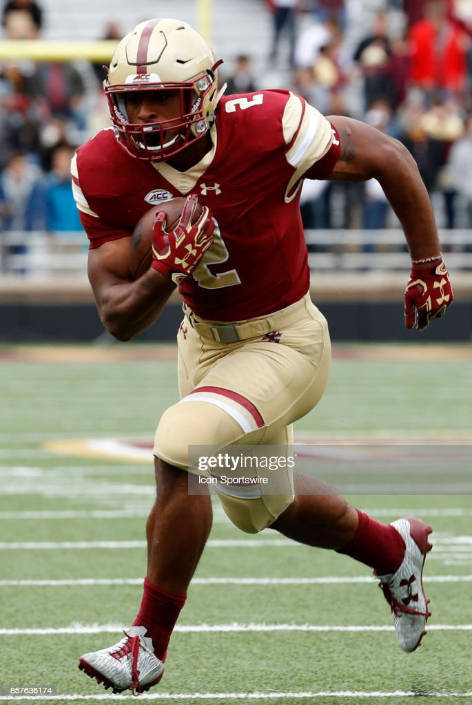 COLLEGE FOOTBALL: SEP 30 Central Michigan at Boston College : News Photo