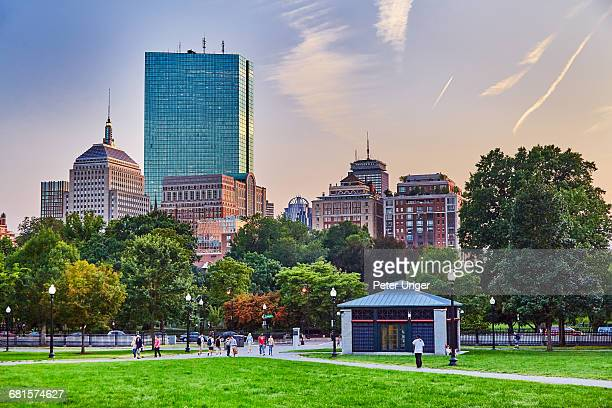 boston common park,boston,massachusetts - boston common stock pictures, royalty-free photos & images