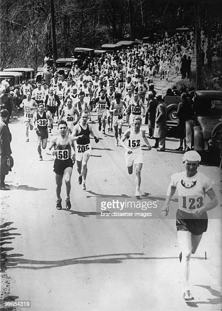 Boston marathon Photograph Around 1930 Photo by Austrian Archives /Imagno/Getty Images