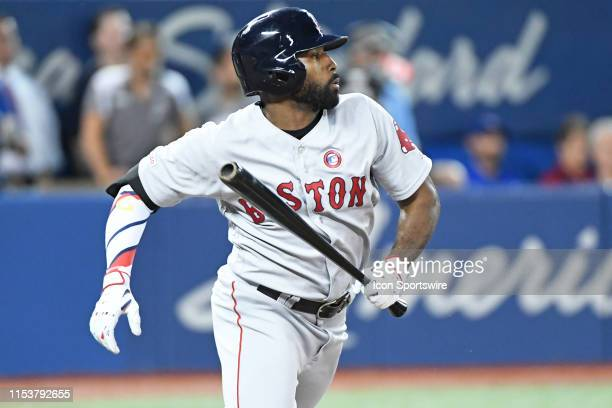 Boston Red Sox Center field Jackie Bradley Jr hits a single in the sixth inning during the regular season MLB game between the Boston Red Sox and...