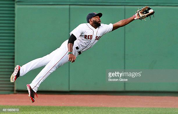 Boston Red Sox center fielder Jackie Bradley Jr made a spectacular diving catch to rob Chicago's Tyler Flowers of a hit in the top of the second...