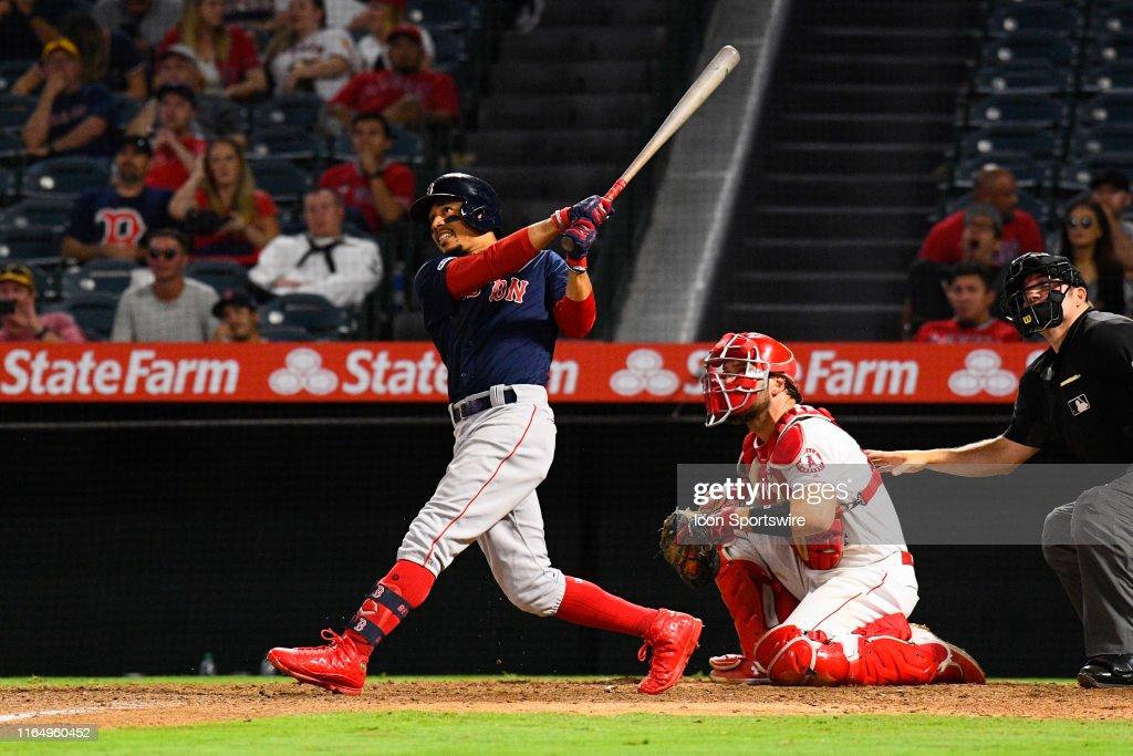 MLB: AUG 30 Red Sox at Angels : Fotografia de notícias