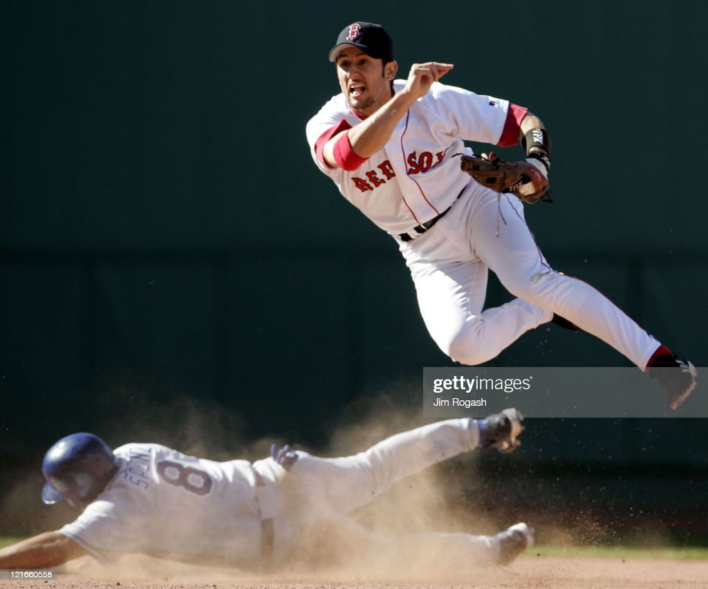 Los Angeles Dodgers vs Boston Red Sox - June 12, 2004 : ニュース写真