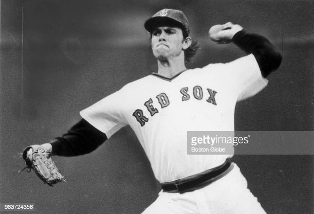 Boston Red Sox pitcher Bill Lee pitches during the third inning of Game Two of the World Series against the Cincinnati Reds at Fenway Park in Boston...
