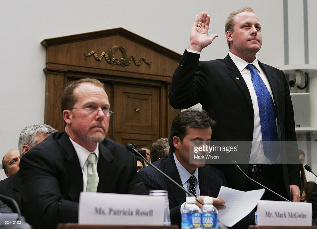 Baseball Stars Testify On Steroid Use Before House Committee : ニュース写真