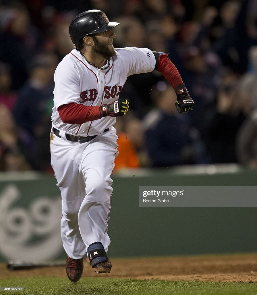 Baltimore Orioles Vs. Boston Red Sox At Fenway Park : News Photo