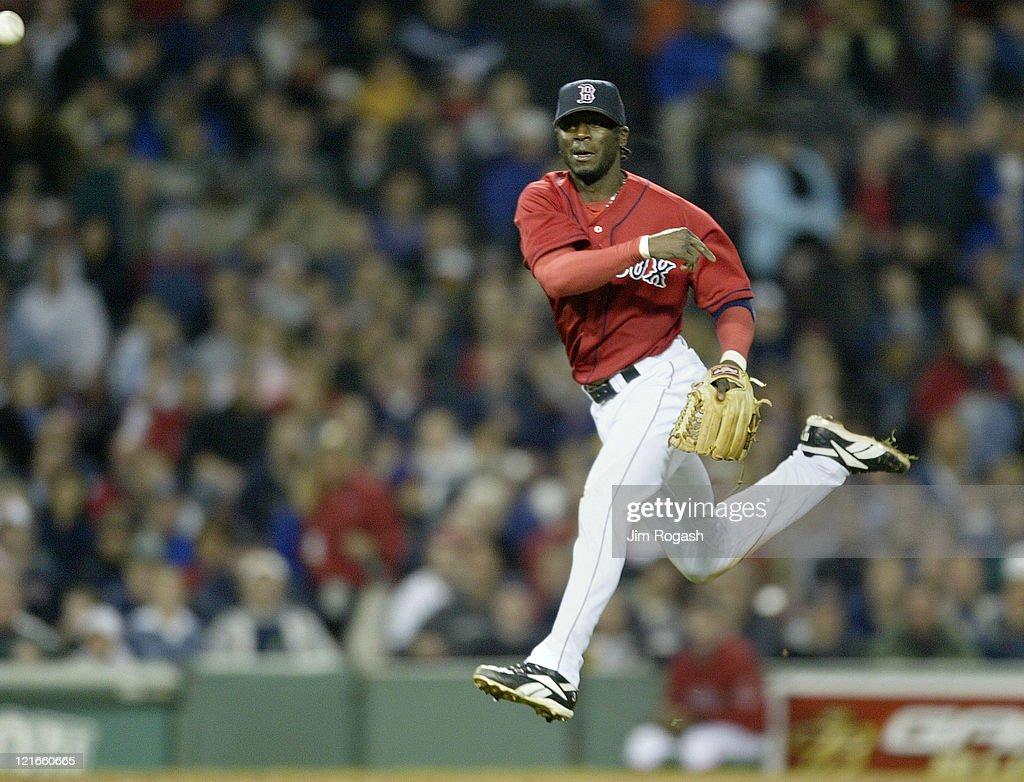 Oakland Athletics vs Boston Red Sox - May 26, 2004 : ニュース写真