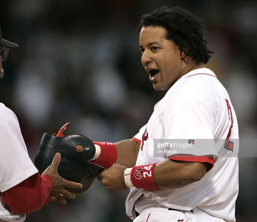New York Yankees vs Boston Red Sox - July 23, 2004 : News Photo