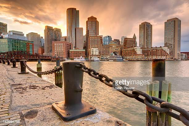 boston skyline - boston stock-fotos und bilder