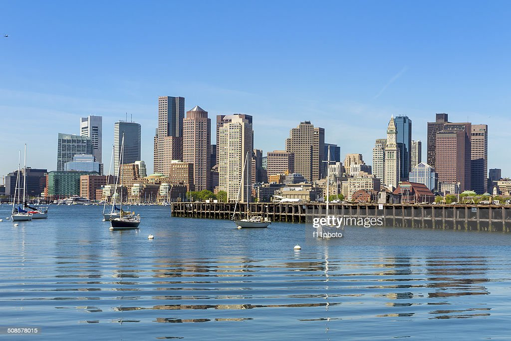 Boston skyline seen from Piers Park, Massachusetts : Stockfoto