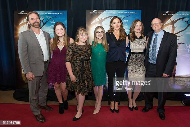 Boston welcomes Jennifer Garner The Beam family and Dr Samuel Nurko at the red carpet screening of 'Miracles From Heaven' to benefit Boston...