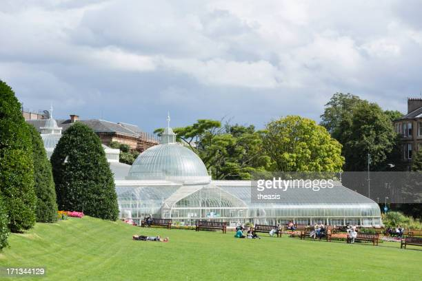 botanic gardens and the kibble palace, glasgow - botanical garden stock pictures, royalty-free photos & images