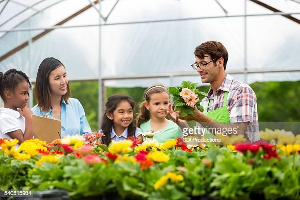 Botaniste enseignement de garderie pour les enfants