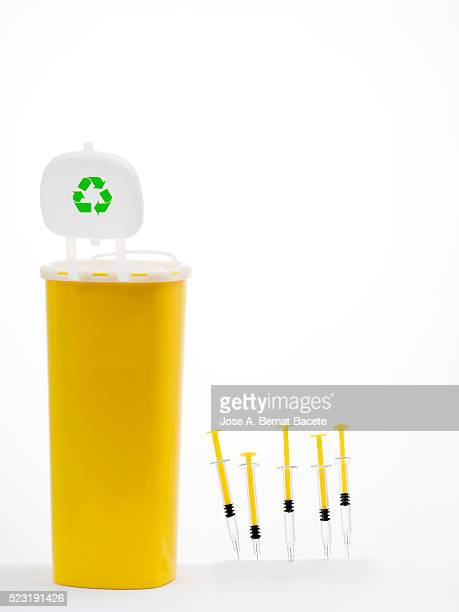 Bote of medical plastic for recycling products hypodermic needles