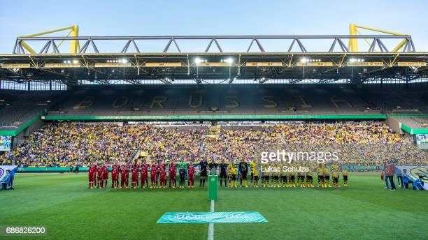 Both teams line up prior to the U19 German Championship Final between Borussia Dortmund and FC Bayern Muenchen on May 22 2017 in Dortmund Germany