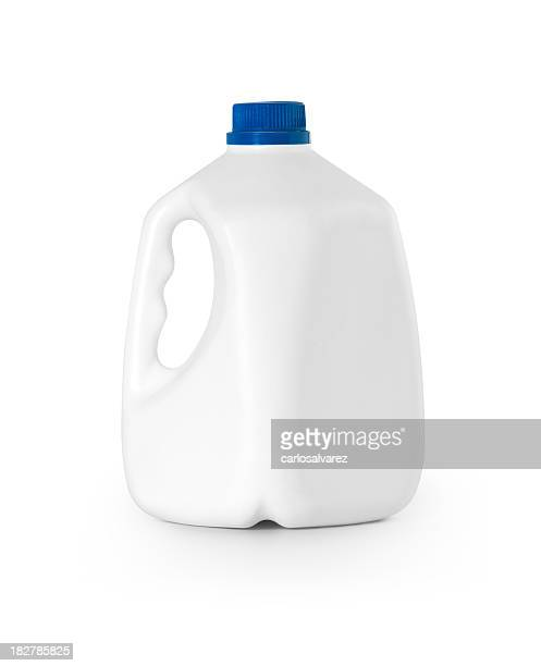 Bottle Milk w/clipping path