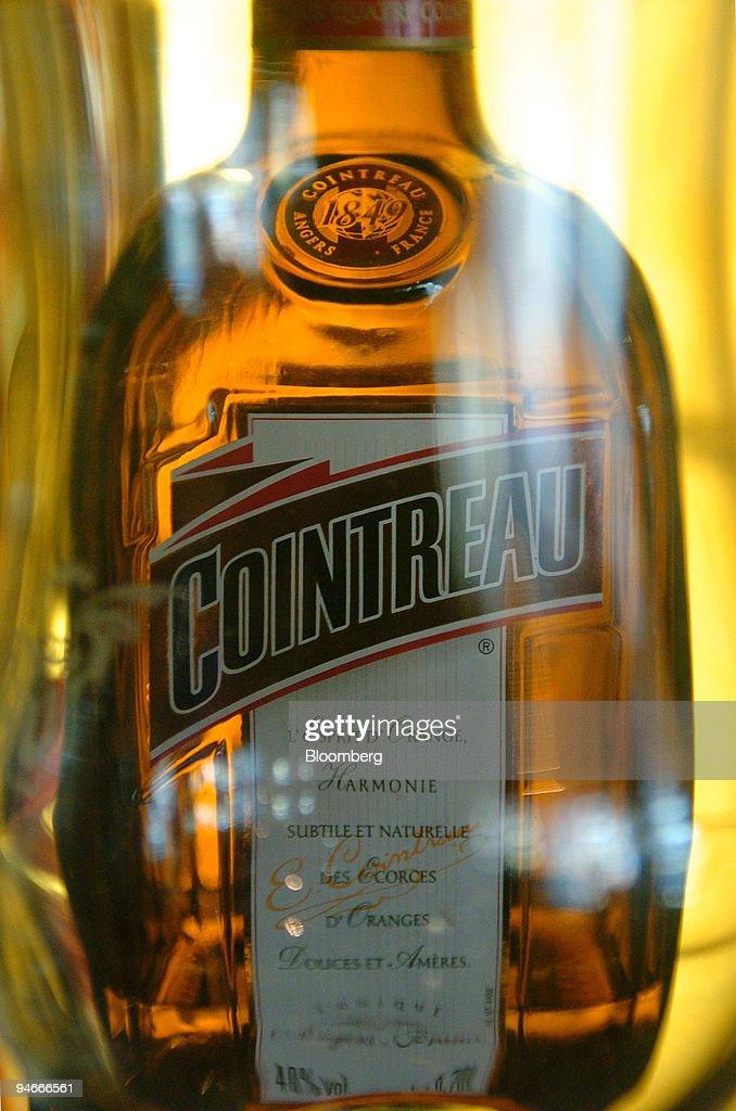 "A bottle of Cointreau liquor is seen in the ""Au Bureau"" bar : ニュース写真"