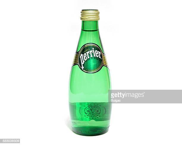 輝くペリエのボトルウォーター