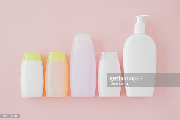 bottles of cosmetics - shampoo stockfoto's en -beelden