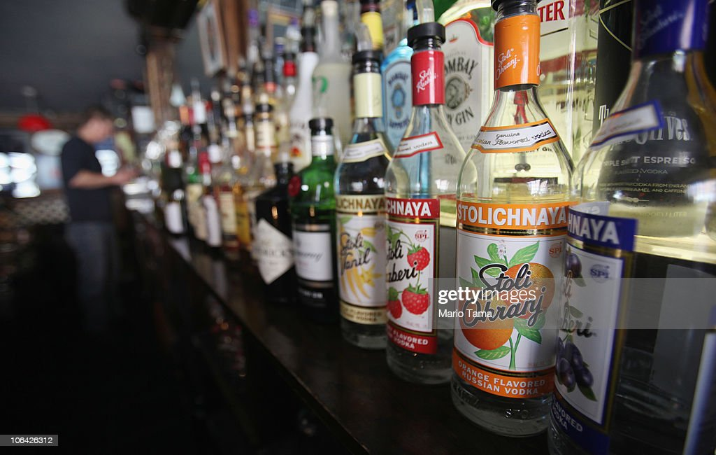 New Study Claims Alcohol More Harmful Than Illegal Drugs : News Photo