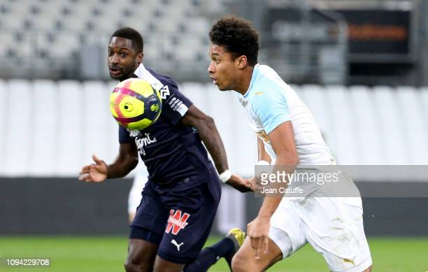 Boubacar Kamara of Marseille Younousse Sankhare of Bordeaux during the French Ligue 1 match between Olympique de Marseille and Girondins de Bordeaux...