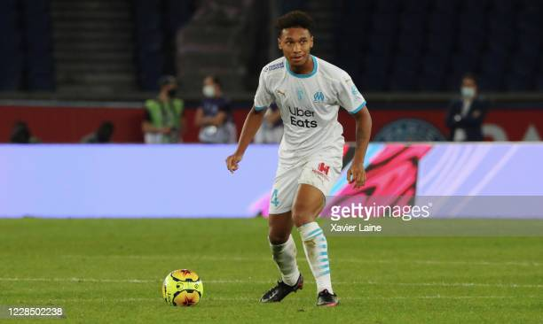 Boubacar Kamara of Olympique de Marseille in action during the Ligue 1 match between Paris-Germain and Olympique Marseille at Parc des Princes on...