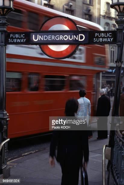 Bouche d'une station de métro à Londres RoyaumeUni