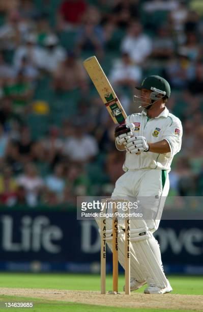 Boucher hooks Hoggard for 4 South Africa v England 4th Test Johannesburg Jan 05