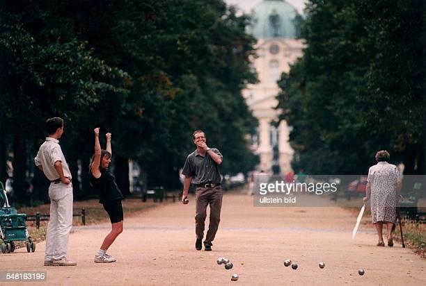 Boule Spieler in der Schloßstrasse in Charlottenburg Mai 1996