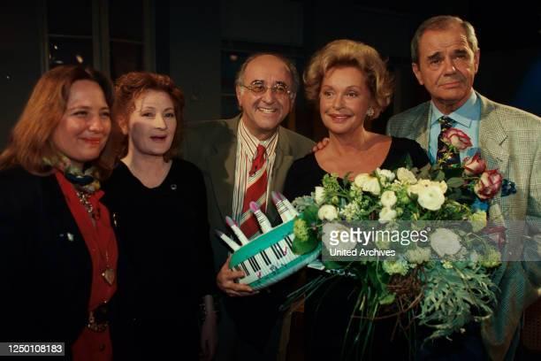 Boulevard Bio TV Show - Talkmaster Alfred Biolek mit seinen Gästen. Nadja Tiller und Walter Giller .