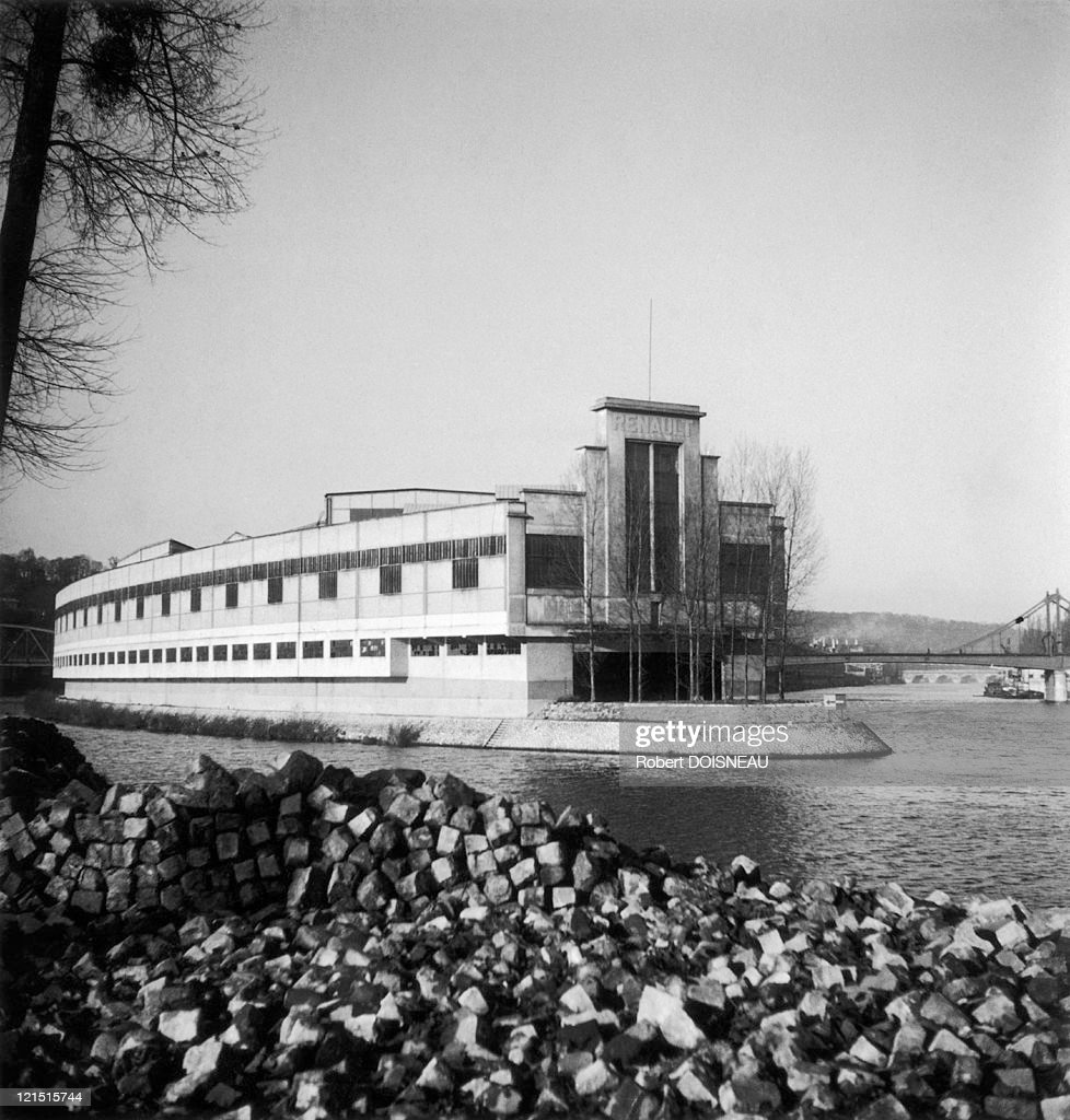 boulogne billancourt ile seguin renault factories in 1945 news photo getty images. Black Bedroom Furniture Sets. Home Design Ideas