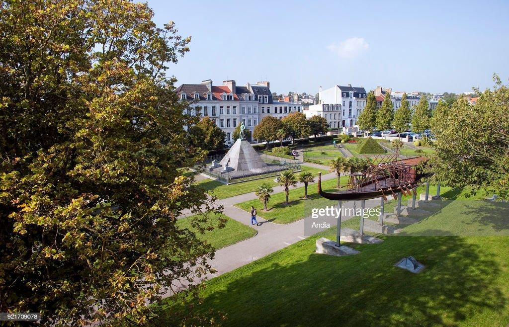 Boulogne-sur-Mer, Square Auguste-Mariette-Pacha. : News Photo