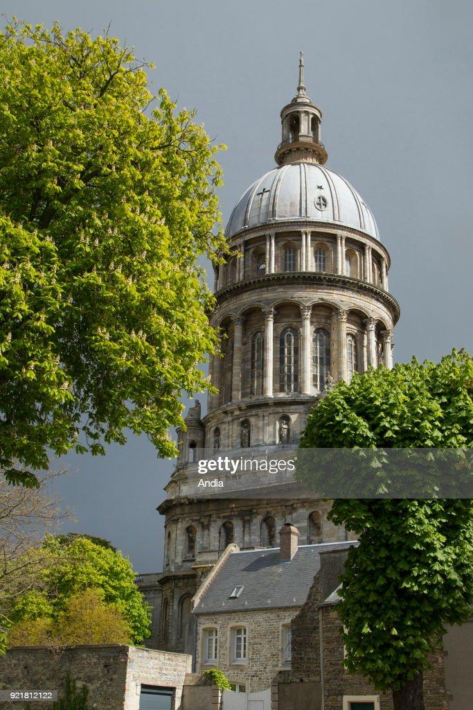 steeple of the Basilica of Notre-Dame de Boulogne.