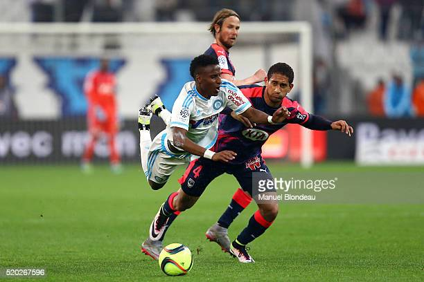 Bouna Sarr of Marseille and Pablo of Bordeaux during the French League 1 match between Olympique de Marseille and FC Girondins de Bordeaux at Stade...
