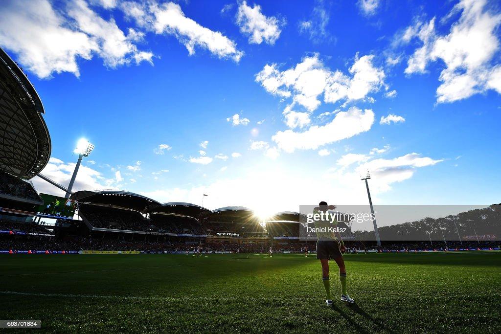 AFL Rd 2 - Port Adelaide v Fremantle : News Photo