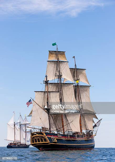 hms bounty sailing off newport, ri during tall ships parade of sail 2012 - united_states_senate_election_in_virginia,_2012 stock pictures, royalty-free photos & images
