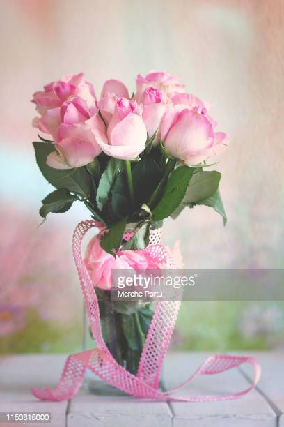 bouquet of roses - mazzo di rose foto e immagini stock