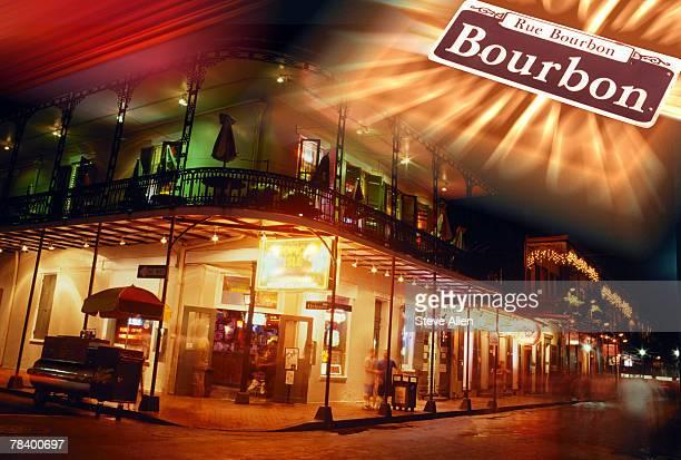 bourbon street at night, new orleans - barrio francés fotografías e imágenes de stock