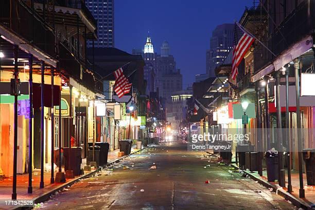 バーボン street - ニューオリンズ バーボンストリート ストックフォトと画像