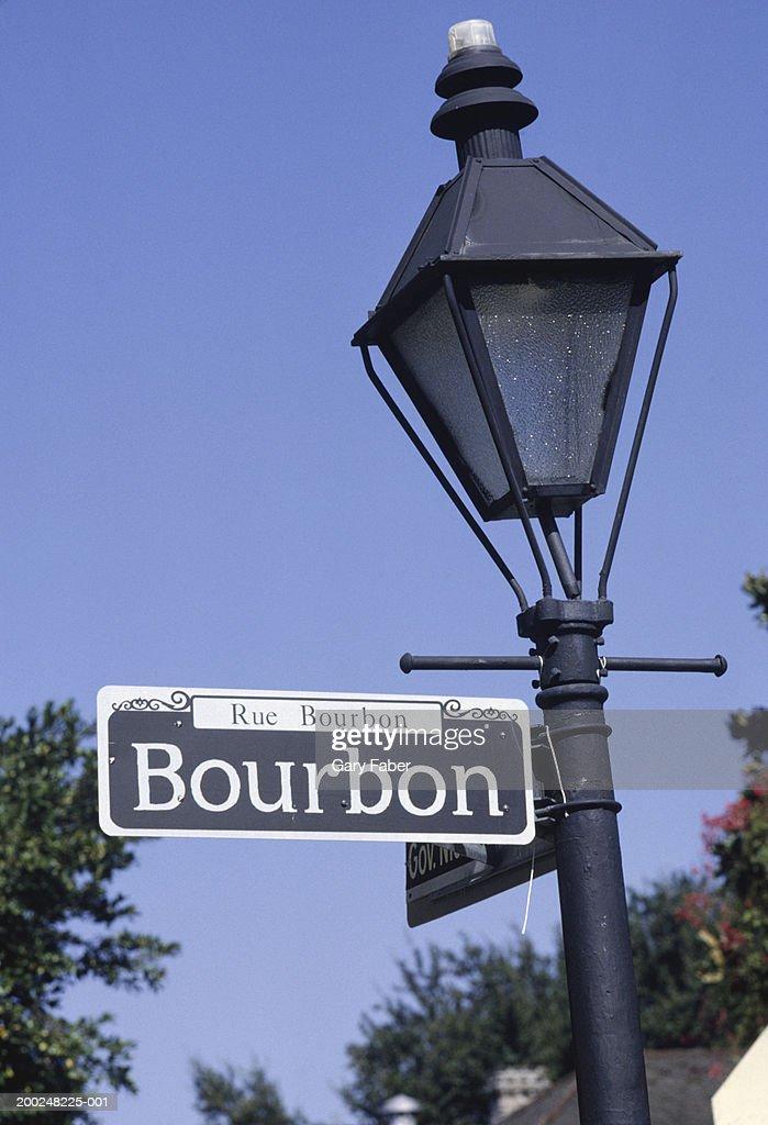 Bourbon Street Sign On Lamp Post New Orleans La Usa Stock Foto