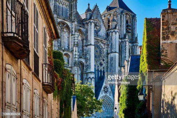 bourges cathedral, france - bourges imagens e fotografias de stock