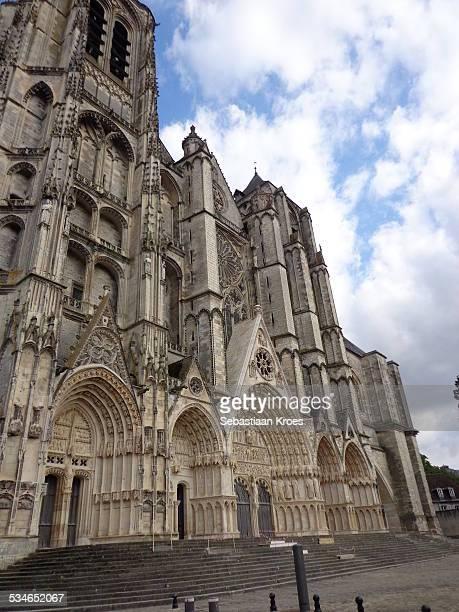 bourges, cathedral st. etienne, france - bourges imagens e fotografias de stock