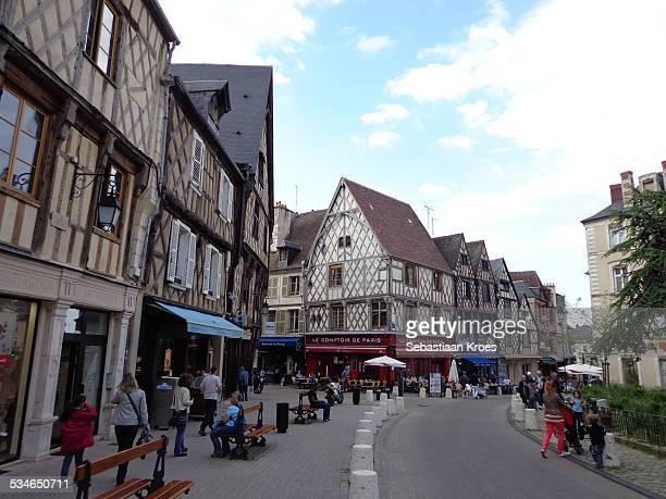 bourges, place gordaine, france - bourges imagens e fotografias de stock